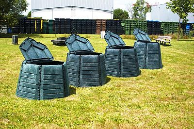 Ako si vybrať správny kompostér do záhrady? Na týchto 5 faktorov by ste nemali zabudnúť