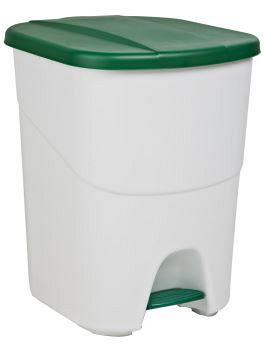 Plastový odpadkový kôš so zeleným vekom